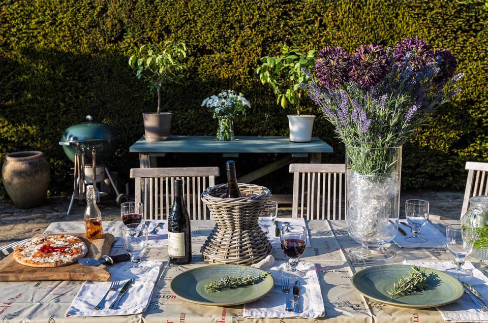 self catered holiday home garden